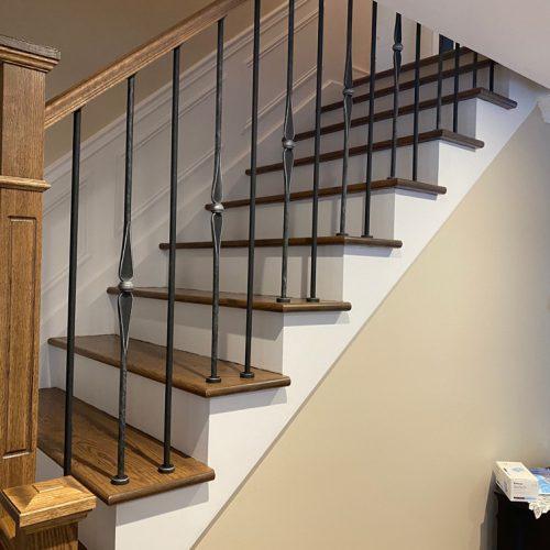 installation-escalier-rampe-bois-et-metal-2